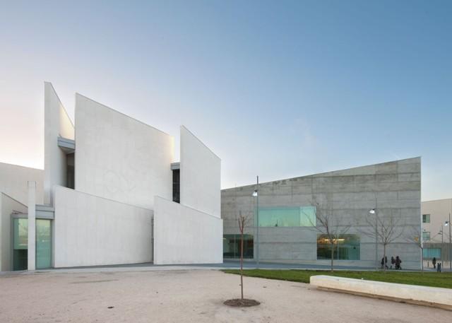 España: Facultad de Ciencias de la Salud, Universidad San Jorge, Zaragoza - Taller Básico de Arquitectura