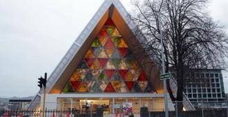Nueva Zelanda: Inaugurada la Catedral de cartón en Christchurch, diseñada por Shigeru Ban