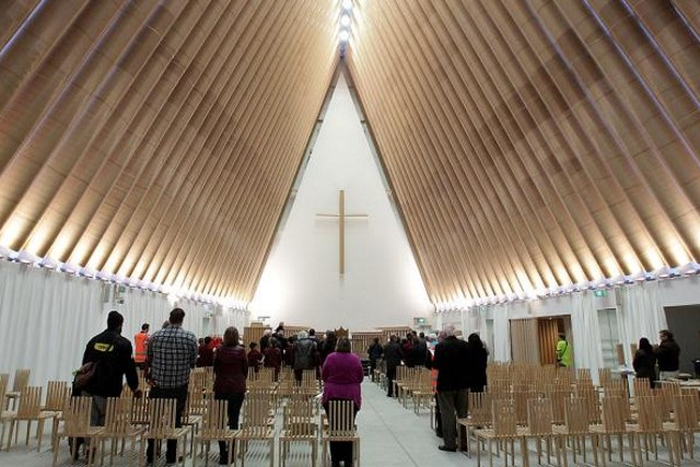 nueva zelanda inaugurada la catedral de cart n en christchurch dise ada por shigeru ban. Black Bedroom Furniture Sets. Home Design Ideas