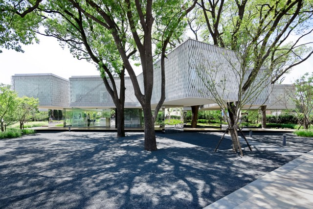 China: 'Huaxin Business Center', Shanghai - Scenic Architecture Office