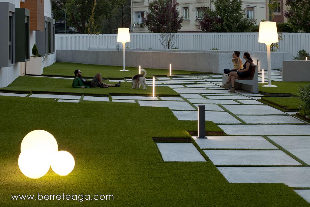 32 viviendas en fadura getxo bizkaia erredeeme for Mobiliario piscina