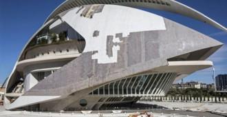 Valencia: El Palau de les Arts, de Santiago Calatrava, pelado