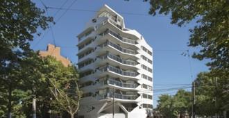Argentina: Jujuy Redux, edificio de departamentos en Rosario - PATTERNS + MSA