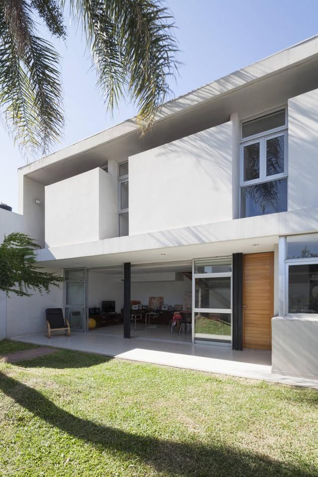 Argentina: Casa Interior, Santa Fe - Cavallo y Sdrigotti
