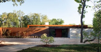 Estados Unidos: 'Heavy Metal House' - Hufft Projects
