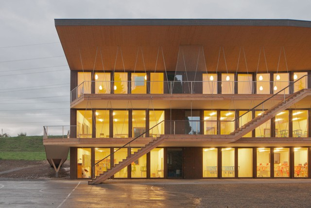 Suiza: Escuela Rudolf Steiner en Bois-Genoud, Lausanne - Localarchitecture