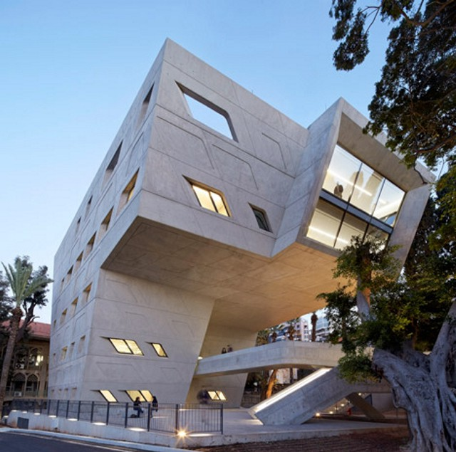 Líbano: Issam Fares Institute, American University of Beirut - Zaha Hadid