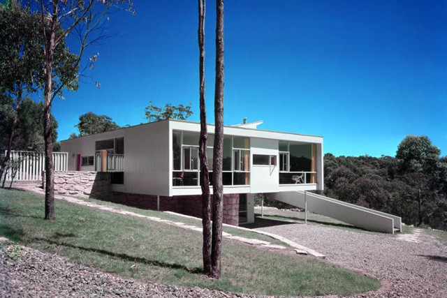 Exhibición 'Harry Seidler: Arquitectura, arte y diseño colaborativo' en la Universidad de Palermo de Buenos Aires