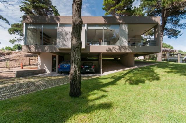 Argentina: Casa Kaprys, Cariló, Buenos Aires - Estudio Galera Arquitectura