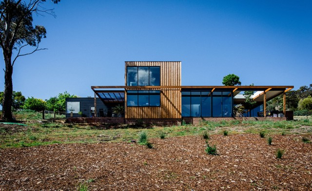 Australia: 'Bonnet Hill House', Tasmania - Dock4 Architects