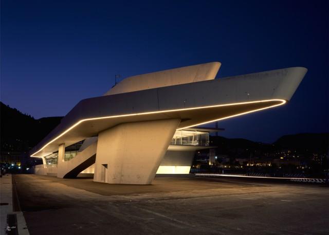 Italia: Terminal Marítima de Salerno - Zaha Hadid Architects